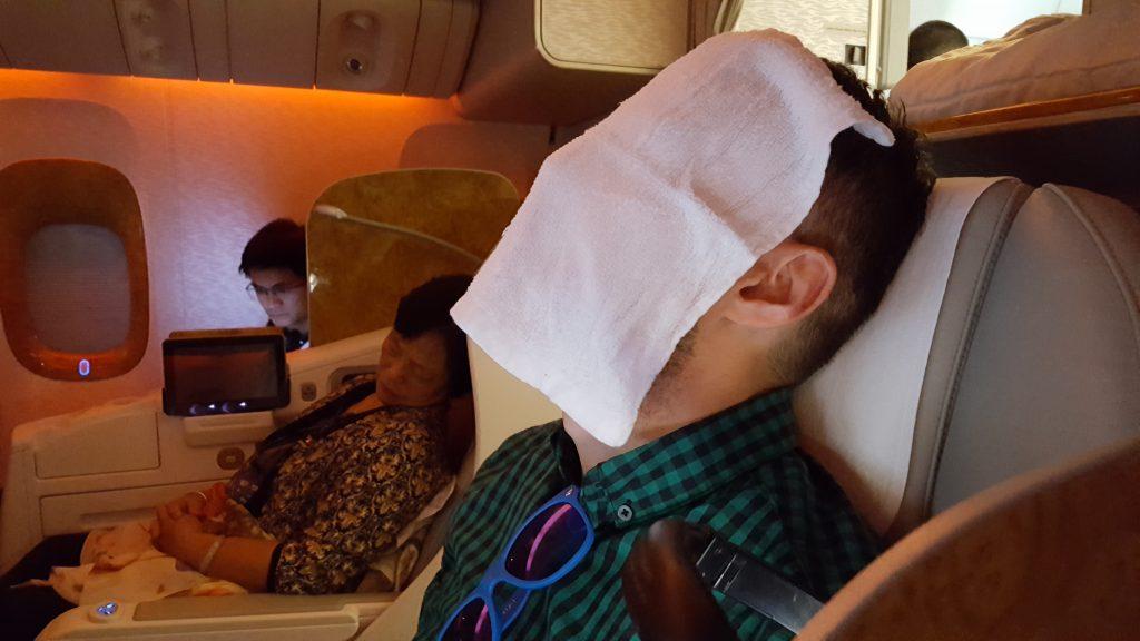 Lot w klasie biznes i Dawid się relaksuje