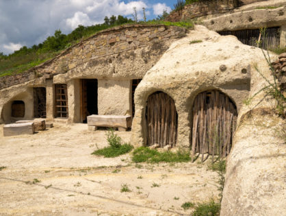 Noszvaj- wioska jaskiniowców